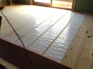 床暖パネル